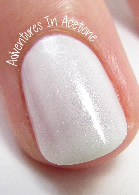 OPI Infinite Shine Pearl of Wisdom macro