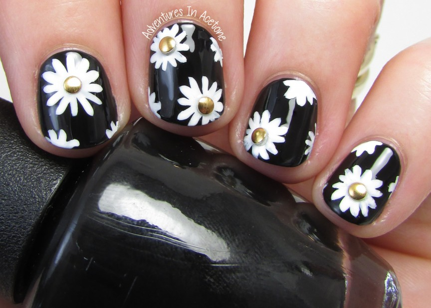 40 Great Nail Art Ideas Black And White Daisies Adventures In Acetone