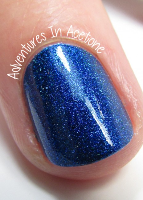 Blue-Eyed Girl Lacquer Hint of a Spark macro