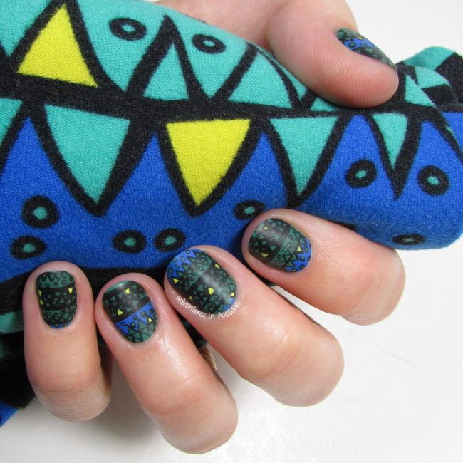 LuLaRoe Monster Teeth Leggings Nail Art 3-001